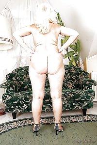 FAT WHITE ASS!!!