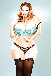 Chicks with wide hips 4!!!