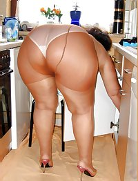 BIG Round & FAT Asses in the Kitchen! #1