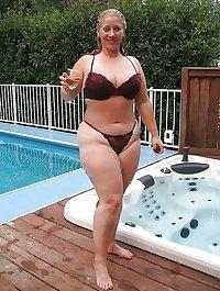 more voluptuous hot women in bikinis
