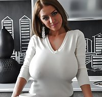Curvy Beauties 69 Clothed Edition
